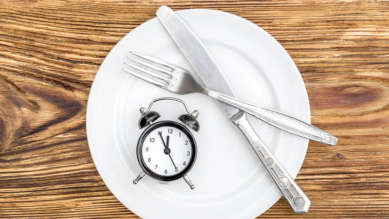 "Intermittent fasting and keto"" class=""aligncenter size-full wp-image-2754028"" width=""800"" height=""450"" srcset=""https://i.dietdoctor.com/wp-content/uploads/2018/09/fasting-with-keto-16-9.jpg?auto=compress%2Cformat&w=150&h=84&fit=crop 150w,https://i.dietdoctor.com/wp-content/uploads/2018/09/fasting-with-keto-16-9.jpg?auto=compress%2Cformat&w=200&h=113&fit=crop 200w,https://i.dietdoctor.com/wp-content/uploads/2018/09/fasting-with-keto-16-9.jpg?auto=compress%2Cformat&w=267&h=150&fit=crop 267w,https://i.dietdoctor.com/wp-content/uploads/2018/09/fasting-with-keto-16-9.jpg?auto=compress%2Cformat&w=400&h=225&fit=crop 400w,https://i.dietdoctor.com/wp-content/uploads/2018/09/fasting-with-keto-16-9.jpg?auto=compress%2Cformat&w=800&h=450&fit=crop 800w,https://i.dietdoctor.com/wp-content/uploads/2018/09/fasting-with-keto-16-9.jpg?auto=compress%2Cformat&w=1600&h=901&fit=crop 1600w"" sizes=""(max-width: 769px) 100vw, (min-width: 1200px) 800px, calc(100vw - 300px)"